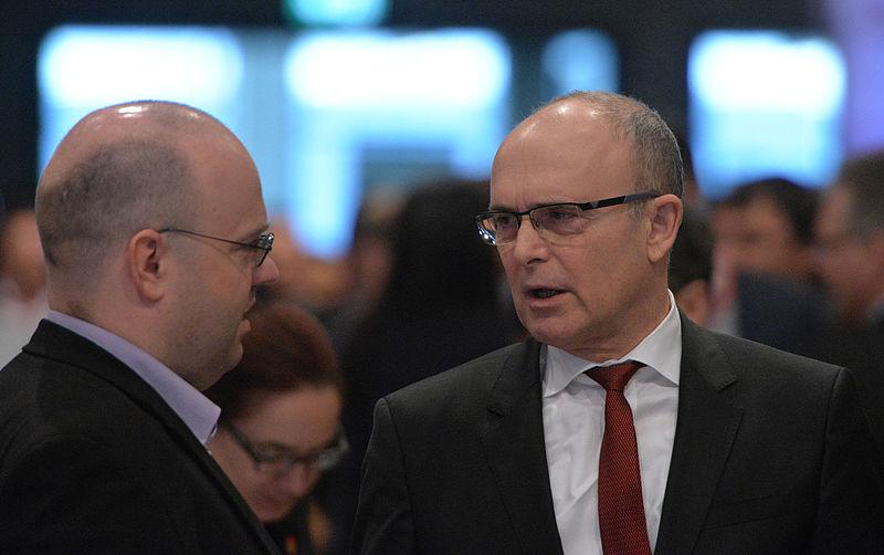 2015-12_Erwin_Sellering_SPD_Bundesparteitag_by_Olaf_Kosinsky-7