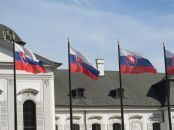 800px-Flags_of_Slovakia